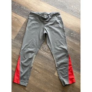 Nike crop pants/leggings